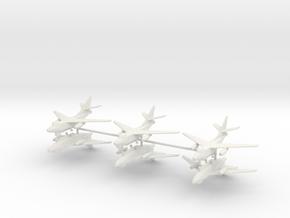 1/350 EA-3B Skywarrior (x6) in White Natural Versatile Plastic