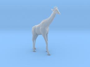 Giraffe 1:22 Standing Male in Smooth Fine Detail Plastic