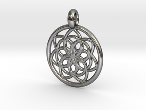 Kale pendant in Polished Silver