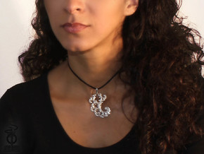 4.5cm Fractal lace, intricate spirals pendant  in Polished Silver