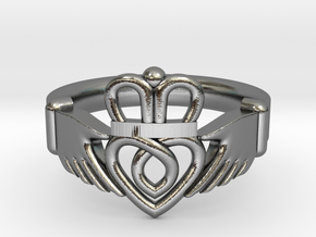 Traditional Claddagh Ring in Polished Silver: 5 / 49