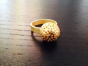 Flower Ring in Polished Gold Steel: 8 / 56.75