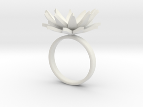 Daisy Ring Size M in White Natural Versatile Plastic