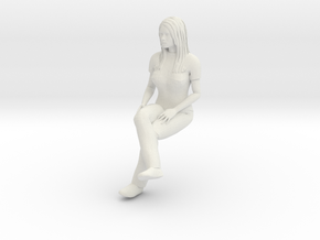 Newgirl Sitting 1/29 scale in White Natural Versatile Plastic