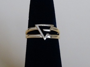 Aard-Quen Ring  in 14k Gold Plated Brass