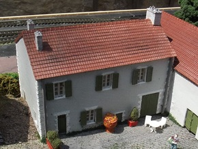 French Farmhouse Front (WSF) N 1:160 in White Natural Versatile Plastic