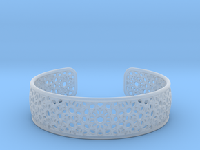 Open Flower Pattern Bracelet in Smooth Fine Detail Plastic