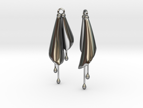 Earring Calla in Fine Detail Polished Silver
