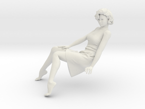 Lady sitting-015 scale 1/24 Passed in White Natural Versatile Plastic