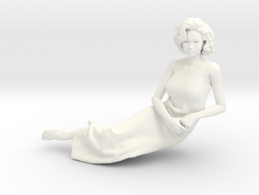 Lady sitting-006 scale 1/24 Passed in White Processed Versatile Plastic