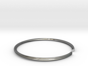 Mobius Hearts Bangle in Fine Detail Polished Silver