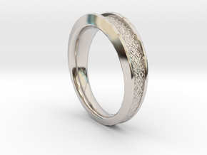 Detailed Ring in Rhodium Plated Brass