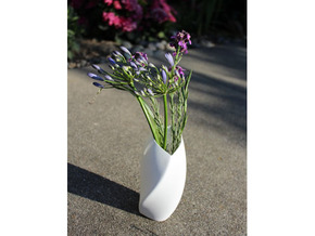 Twisted Love Vase in White Natural Versatile Plastic