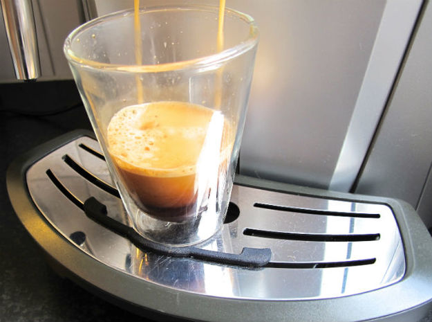 Saeco Coffee Machine Leak Tray Improvement 3d printed Prevents coffee cups from 'dancing' away.