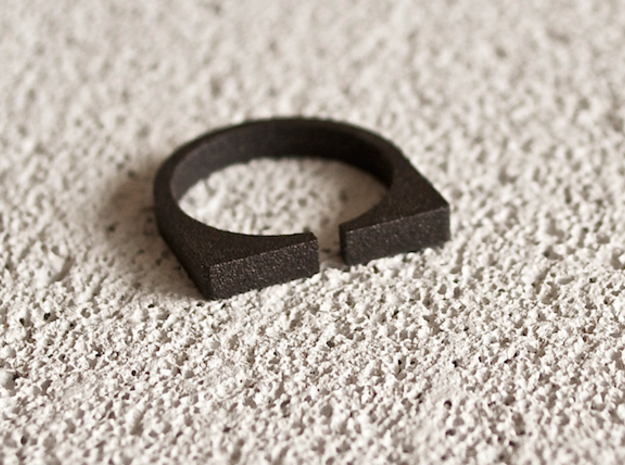 """Snulla"" Ring - Size Large in Matte Black Steel"