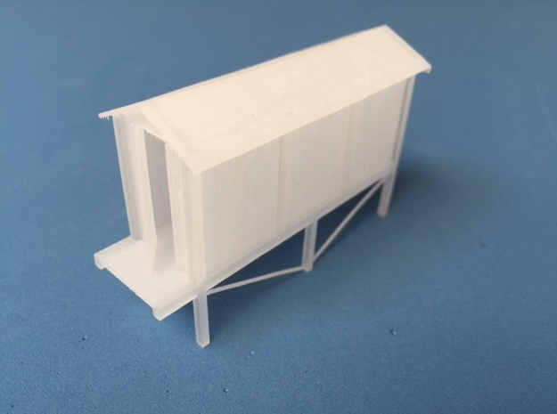 Concrete relay hut (HO) With stand in Frosted Ultra Detail