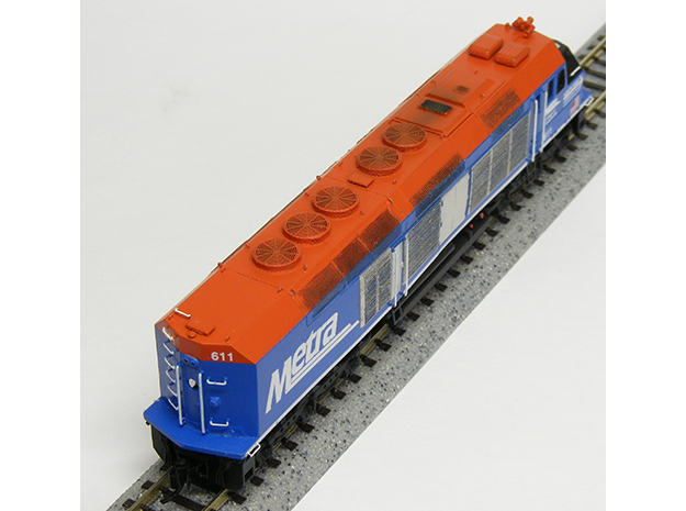 N Scale EMD F40C (Metra) 3d printed Model built and painted by Jeff King of MilwaukeeRoadTrainShop.com. Photo by Jeff King.