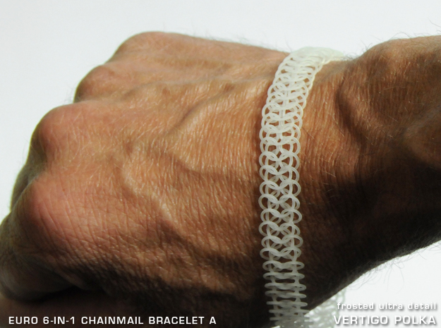 Euro 6-in-1 Chainmail Bracelet A in Smooth Fine Detail Plastic