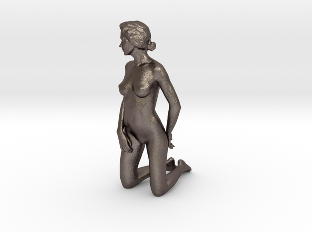 D. Kneeling - 10cm high - Solid model