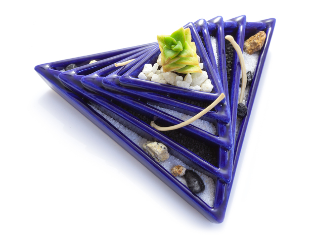 Pyramidae Planter in Gloss Cobalt Blue Porcelain