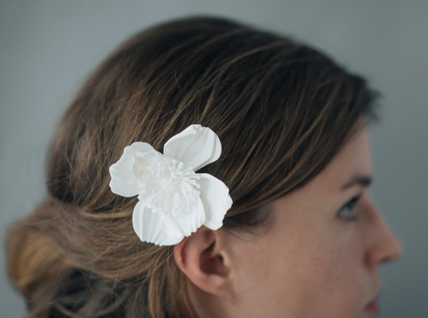 Icelandic Poppy Comb in White Natural Versatile Plastic