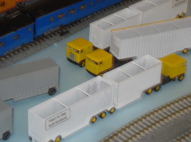 N scale 1/160 Woodchip B-train trailer in Smooth Fine Detail Plastic