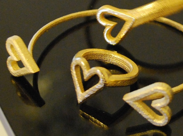 FLYHIGH: Open Hearts Ring 17mm 3d printed