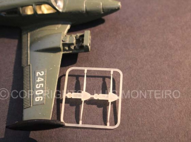 Dinky propoller C55 Baron Beechcraft in Frosted Ultra Detail