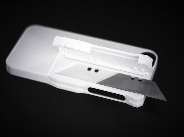 Utility Blade Case for iPhone 5 3d printed Simple hinge locking.