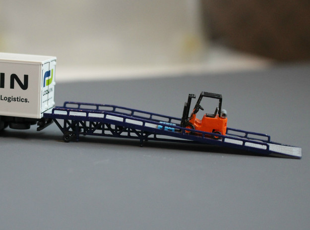 N Scale Forklift Ramp