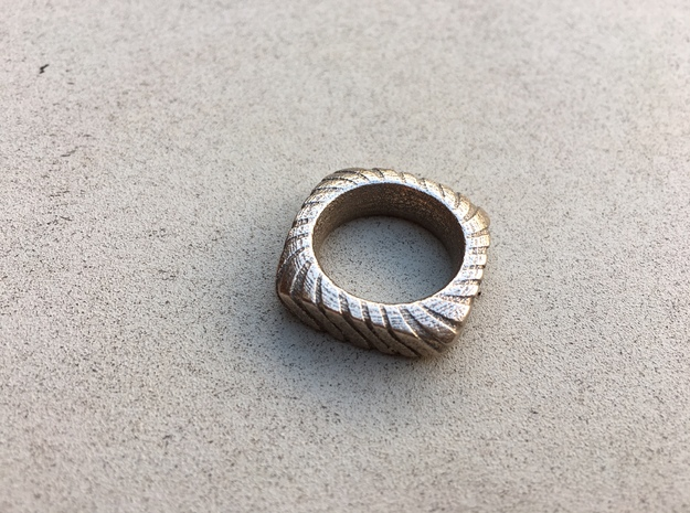 PILLOW CARVED  RING WITH RELIEF SIZE 6.5