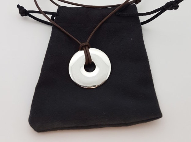 Disc pendant in Polished Silver