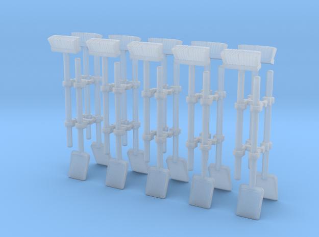 1/32 Schaufel und Besen in Smooth Fine Detail Plastic