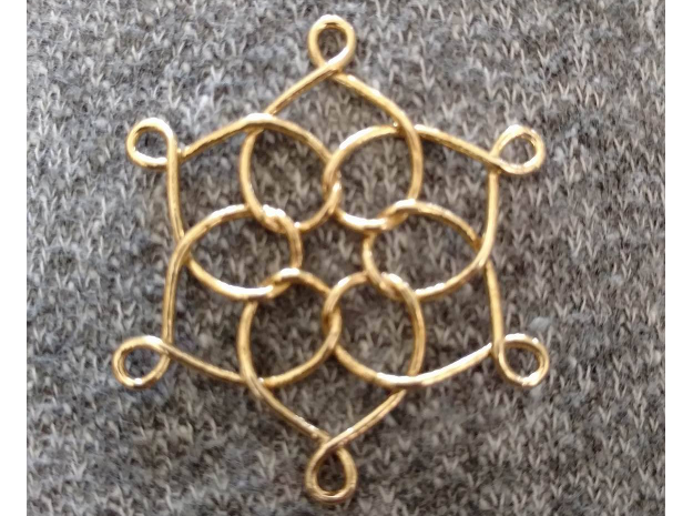"""6 Hearts Snowflake 1.4"""" in Natural Brass"""