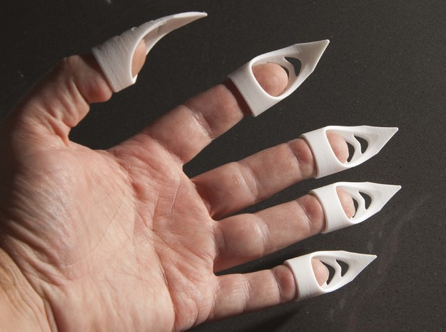 Cat's claw - width 14 mm in White Strong & Flexible