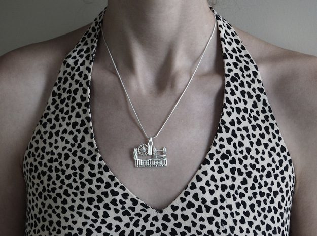 London Cityscape Pendant in Polished Silver