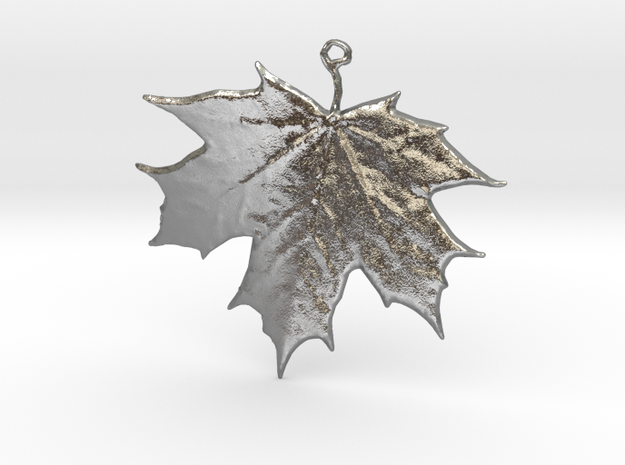 Lucky Maple Leaf in Raw Silver