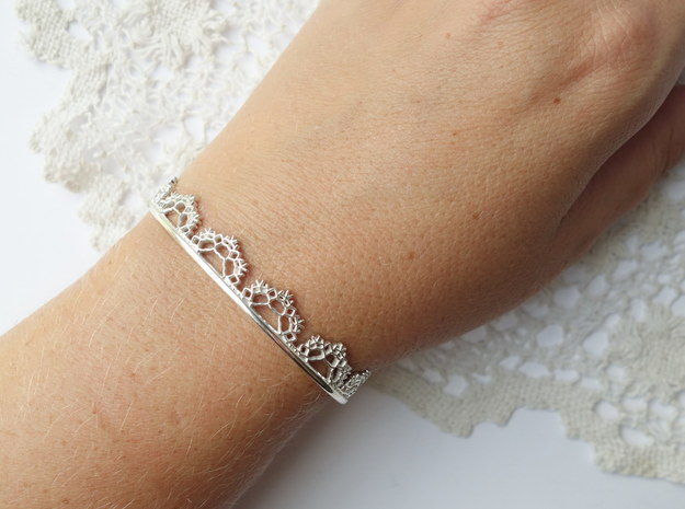 Open Lace Cuff - Medium in Polished Silver