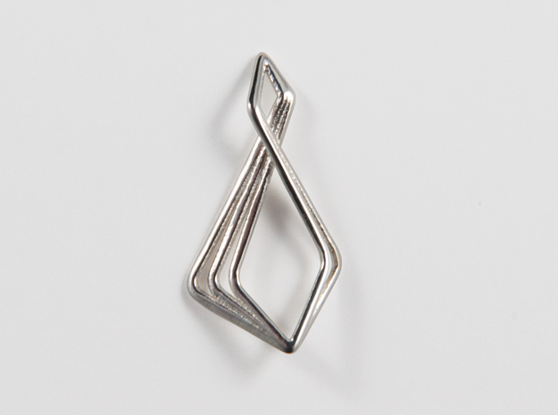 N-Line No.6 Pendant. Natural Chic in Polished Silver