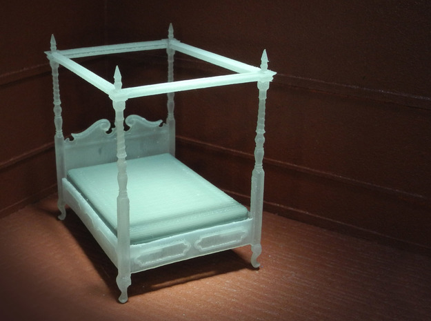 1:48 Four Poster Canopy Bed in Frosted Ultra Detail
