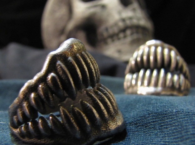 Jaw Ring Size 7 in Polished Bronzed Silver Steel