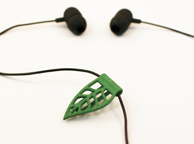 Leaf cable clip for headphones