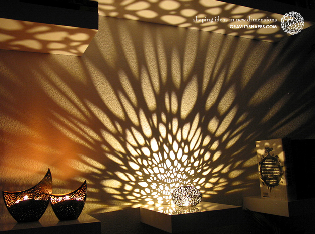 Little Voronoi Pearl Light Lamp No. 1 (8 cm) in Black Strong & Flexible