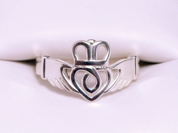 Traditional Claddagh Ring in Polished Silver: 7.5 / 55.5