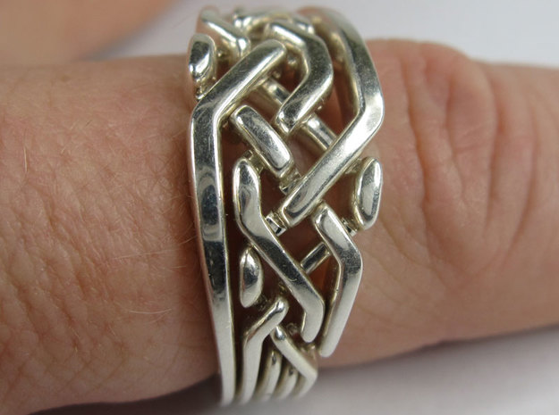 Weave Five in interlocking metal in Interlocking Polished Silver