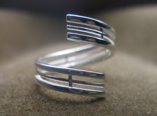 Bars & Wire Ring Size 6 3d printed Photo of the ring from the top, printed in sterling silver.