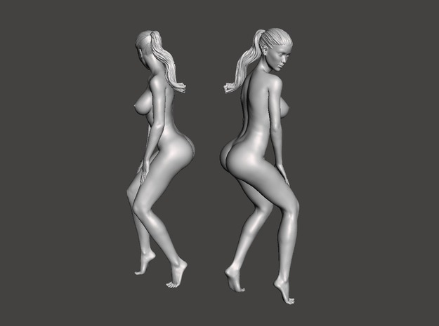 Long ponytail girl 011 1/35 in Smoothest Fine Detail Plastic