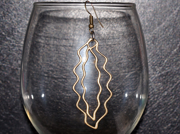 Wave Earring in Polished Brass