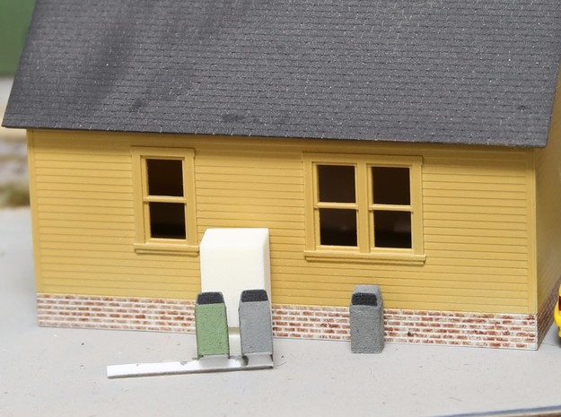 HO Scale Urban / Park Trash Cans- set of 4 in White Strong & Flexible