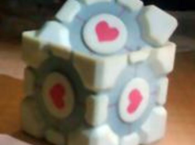 Companion Cube 50mm 3d printed Description